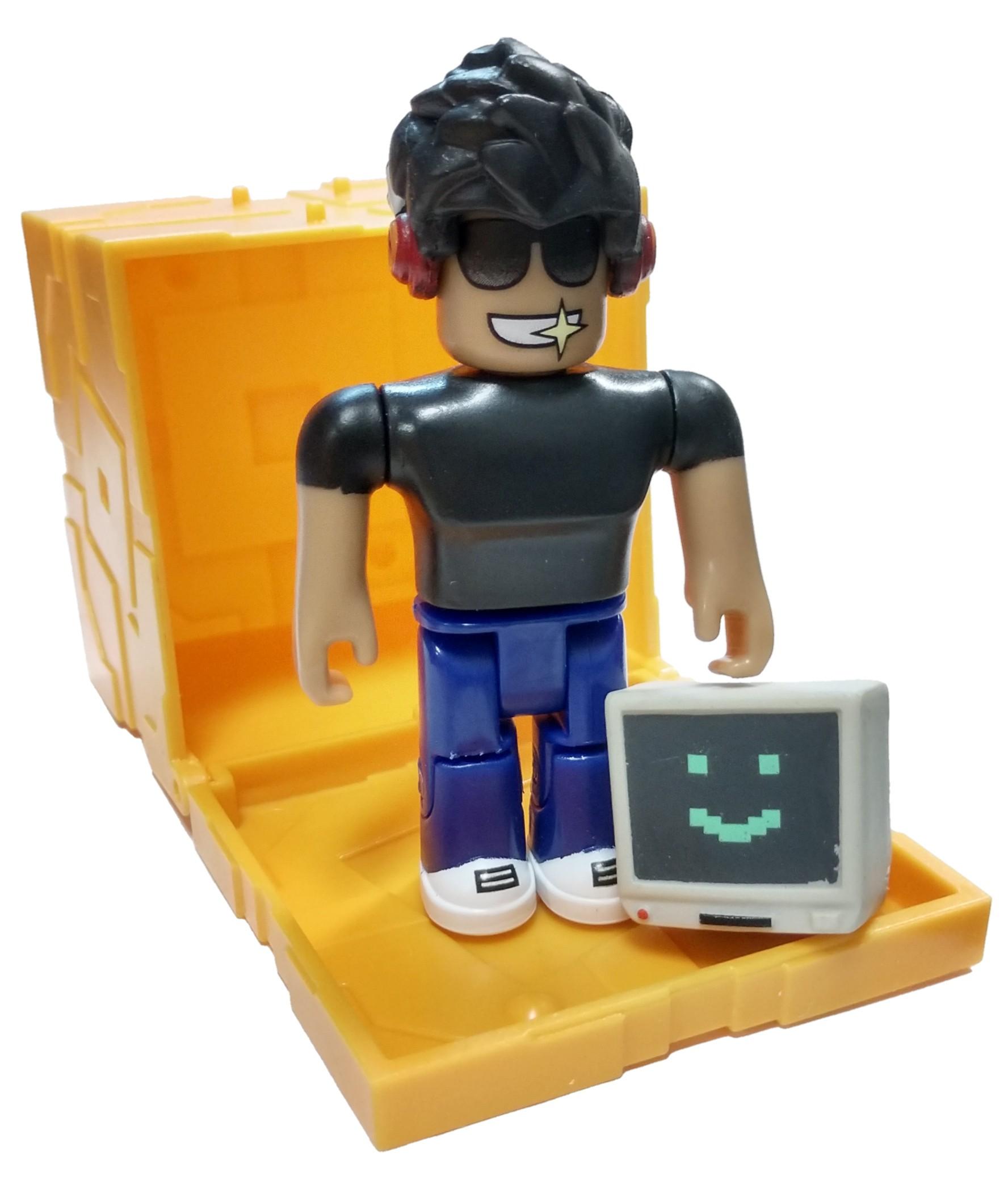 Detalles Acerca De Roblox Serie 5 Simbuilder Mini Figura Con Cubo De Oro Y Código En Línea Suelta Mostrar Título Original - roblox series 1 builderman mini figure with code